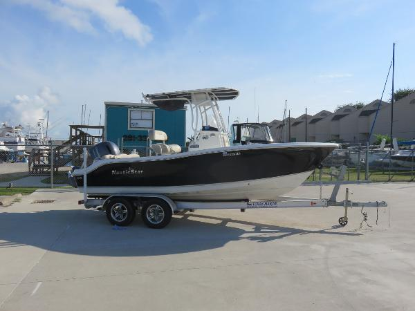 Nautic Star 2102XS Legacy
