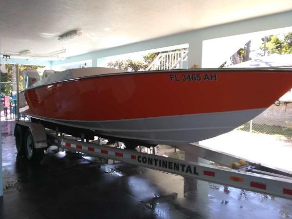Magnum 25 Custom Outboard