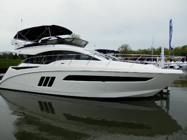 Sea Ray Fly 510