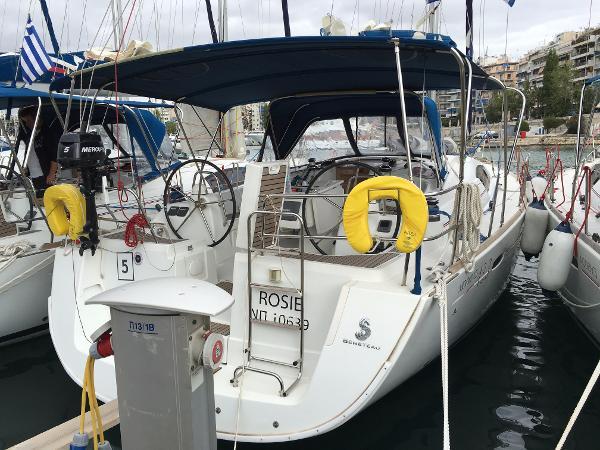 Beneteau Oceanis 43 Main View