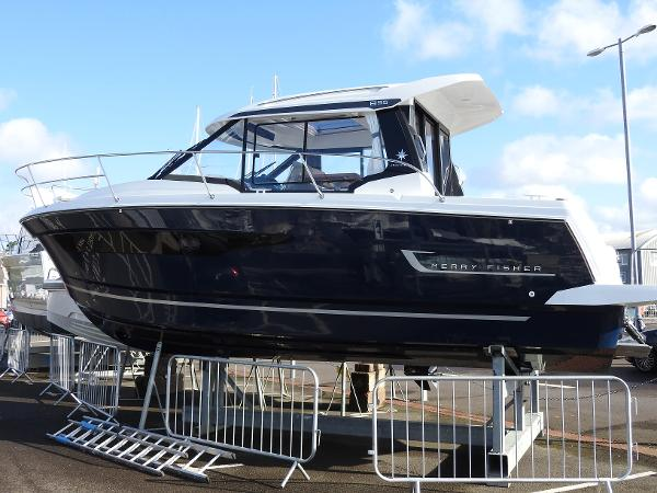 Jeanneau Merry Fisher 895 Legend - IN STOCK NOW Merry Fisher 895 Legend