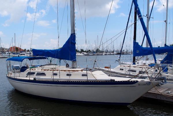 Islander 36 Exterior