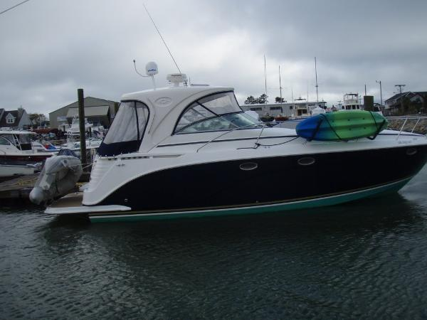 Rinker 390 Express Cruiser