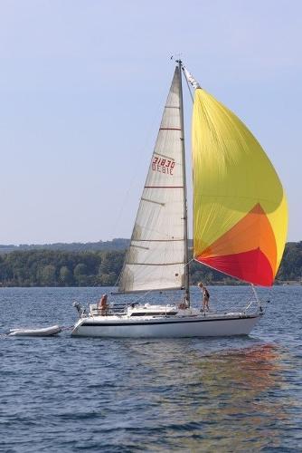 Beneteau First 32.5 Sailing under spinnaker