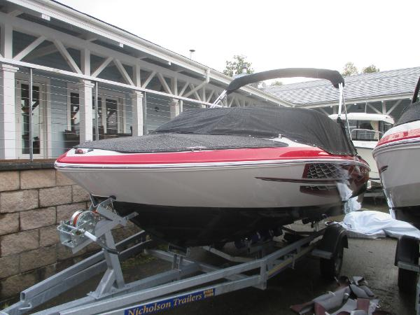 Regal 1900 ESX Bowrider