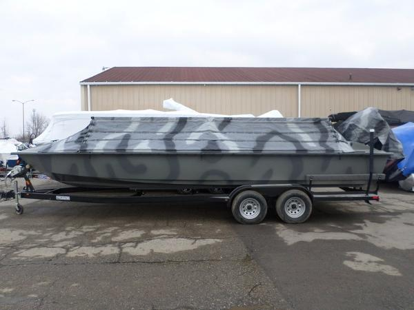 Bankes Titian 25' Duck Boat