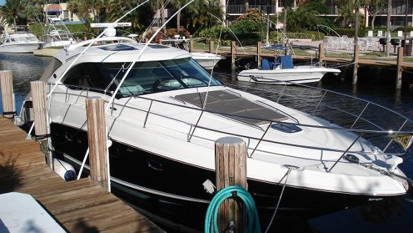 Sea Ray 470 Sundancer 2010 Sea Ray 470 Sundancer - Strbrd Bow
