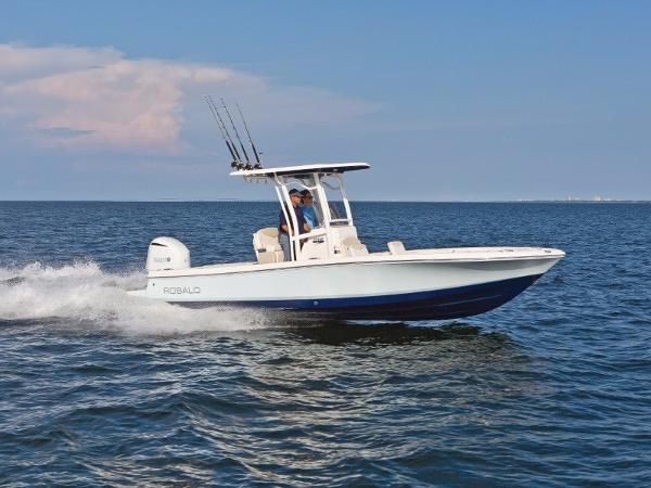 Robalo Boats 246 Cayman