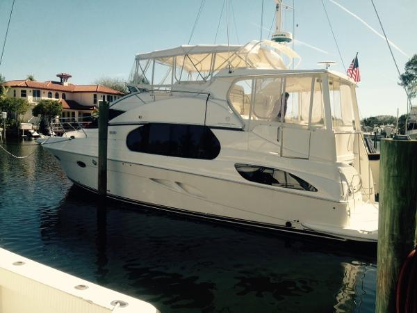 Silverton 43 Motor Yacht PORT SIDE