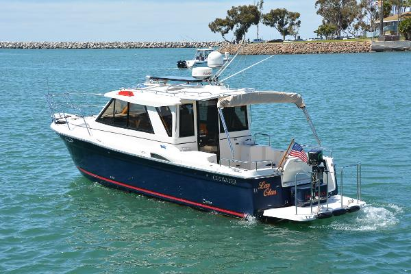 Cutwater 28 Port Profile