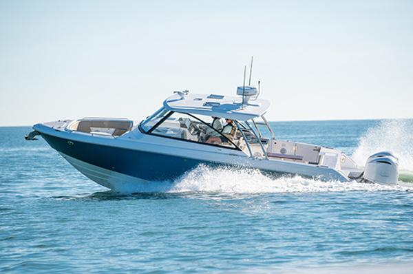 Everglades 340 Dual Console Manufacturer Provided Image