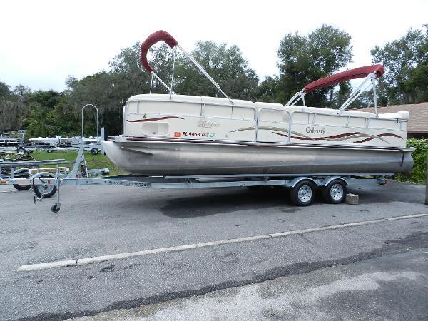 Odyssey Pontoons 2502 Lextra