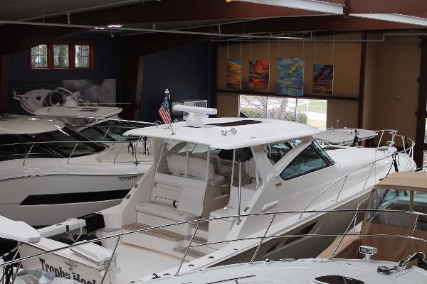 Tiara 4300 Open Boat in heated storage