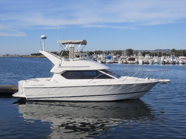 Bayliner 2858 Ciera Command Bridge Actual Boat