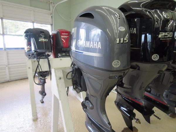 Yamaha F115XB