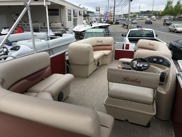 Bentley Pontoons 220 Cruise RE