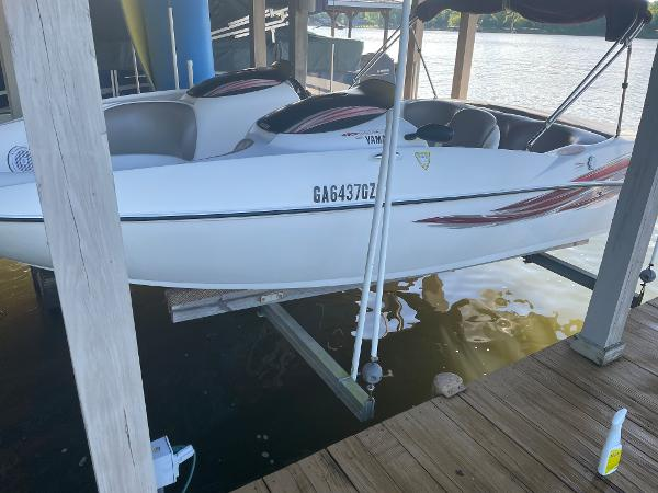 Yamaha Boats LS2000