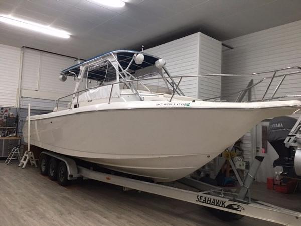 Cobia Boats 312 Sport Cabin