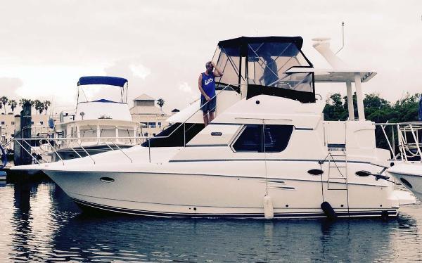 Silverton 322 Motor Yacht Profile