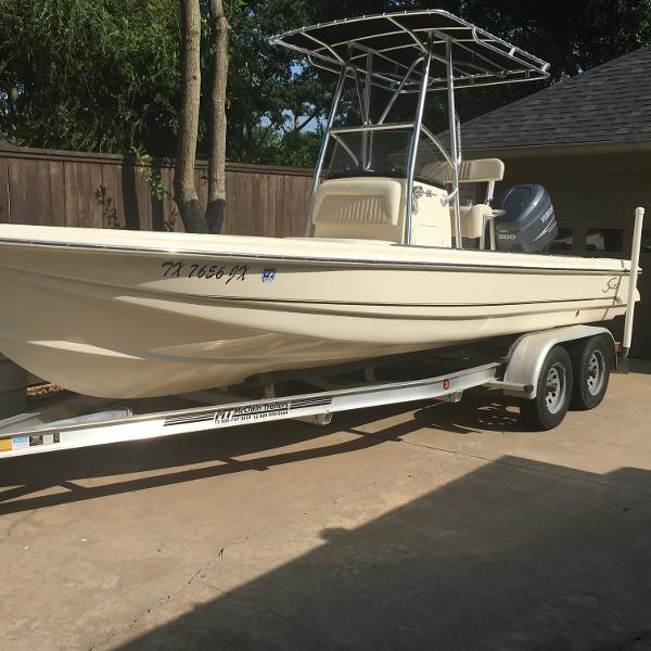 Scout 220 Bay Scout