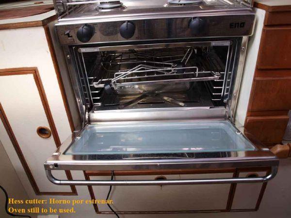 Classic Pilot Cutter oven