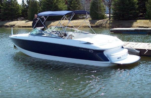 Cobalt 250 Bowrider