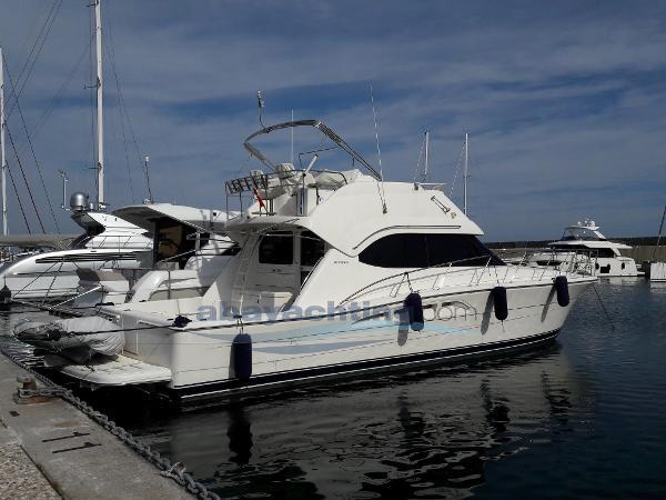 Riviera Marine 47 Flybridge Abayachting Riviera 47 Flybridge 1