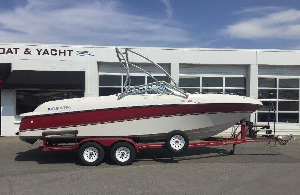 Four Winns 240 Horizon Bowrider