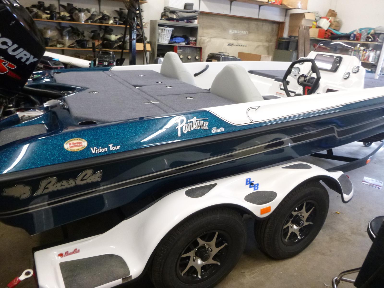 Bass Cat Boats Pantera