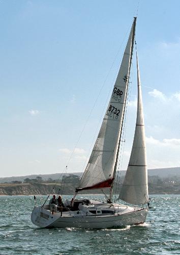 Jeanneau Sun Fast 32i Mistral Sailing