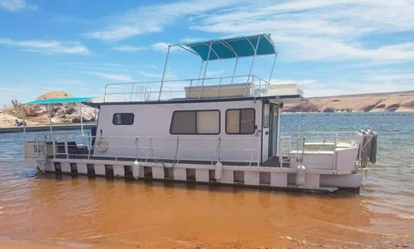 Kayot 40 x 14 Pontoon Houseboat