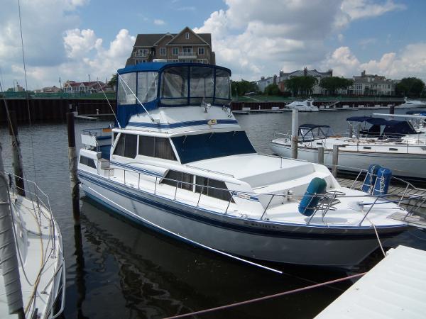 Marinette 39 Motoryacht