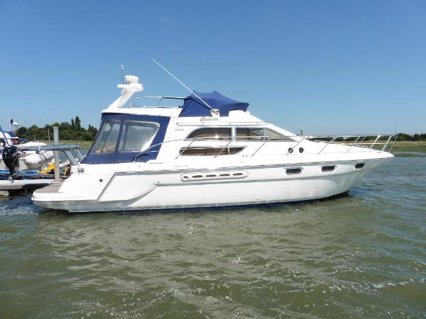 Sealine F44 Flybridge Moored