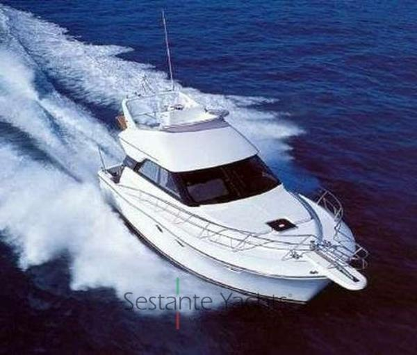 Uniesse 42 Fly Uniesse marine Uniesse 42 fly Sestante Yachts
