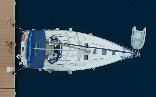 Beneteau Oceanis Clipper 393 Beneteau Oceanis 393 Clipper (2002) - 'Mia'
