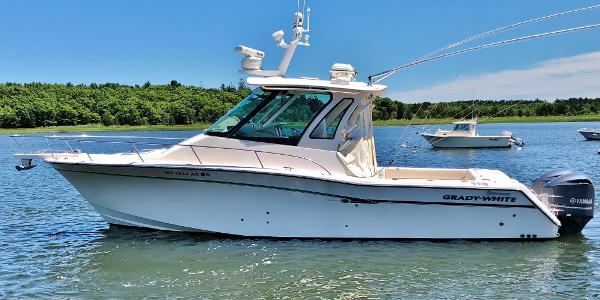Grady-White 330 Express port profile