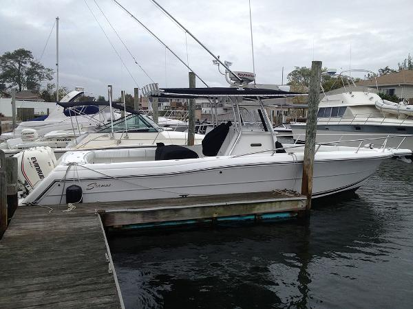 Stamas 310 Tarpon Only 71 Hrs. Starboard Side