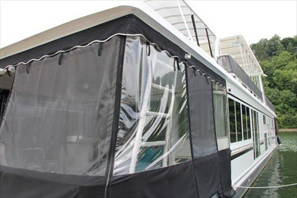 Fantasy Houseboat 16' x 80' Widebody