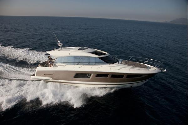 Prestige 500S Starboard Side