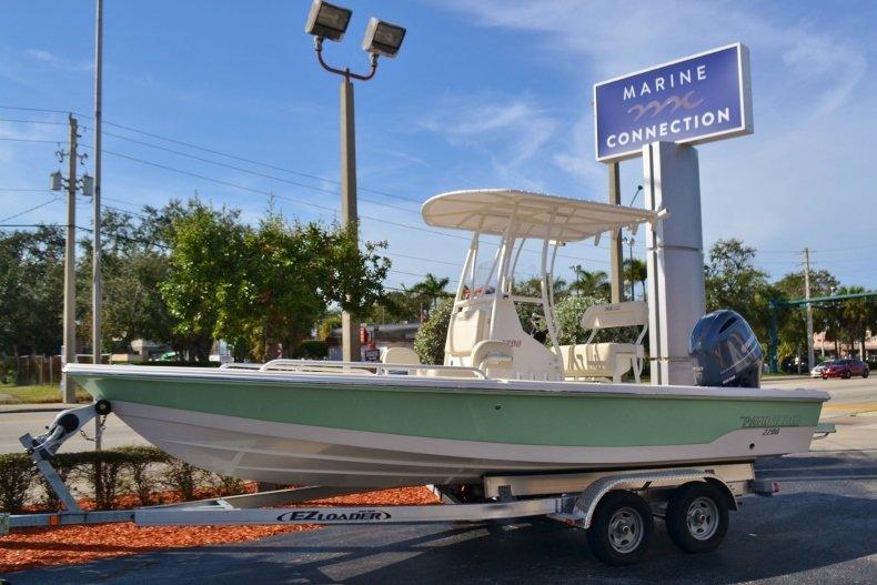 Pathfinder 2200 TRS Bay Boat