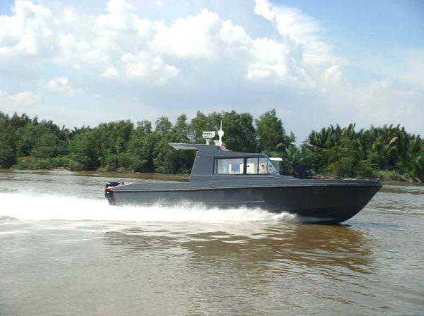 Hurricane Patrol Boat 10.5 M Hurricane Patrol Boat