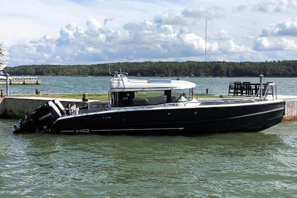XO Boats XO 270 Front Cabin OB