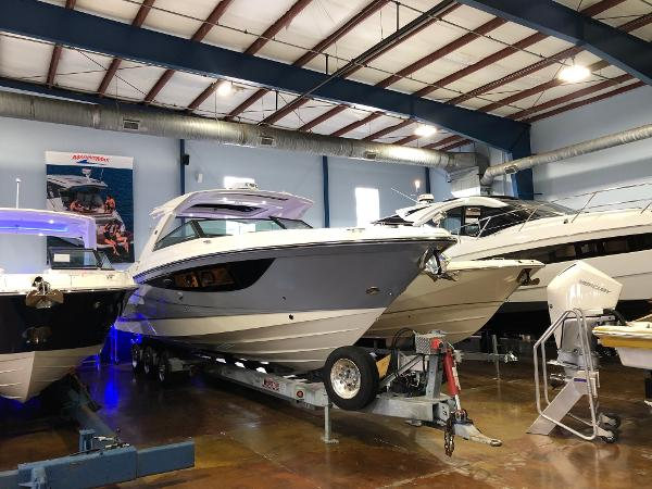 Sea Ray SLX 400 Outboard