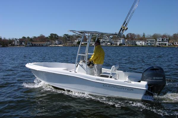 Clearwater 19 Center Console