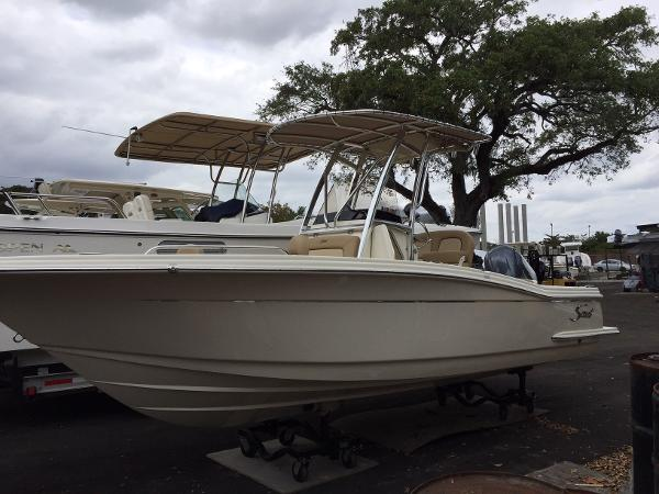 Scout 215 XSF Scout Boats 215 XSF