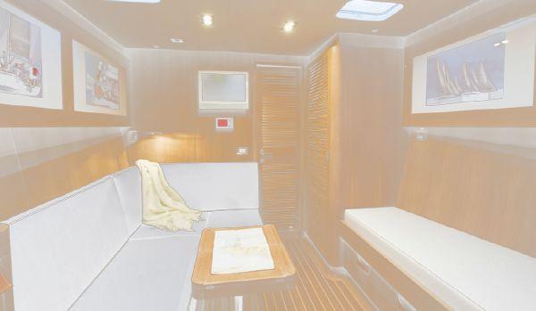 Nautor Swan 90 S Forward Guest Cabin
