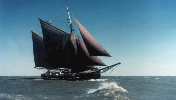 Custom Rasmussen Baltic Trader Glaciere of Liverpool - Under sail