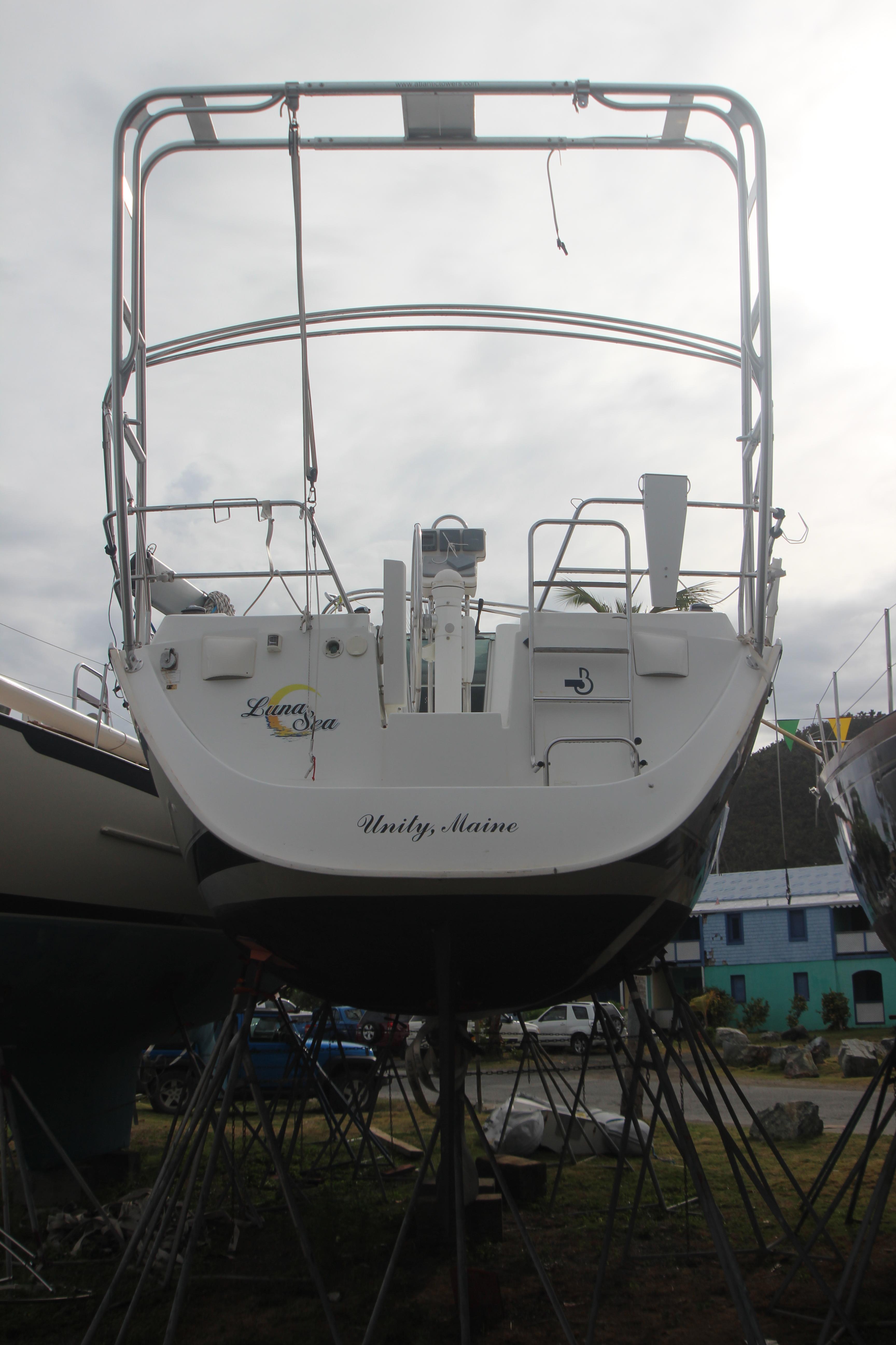 Beneteau Oceanis Clipper 373 Stern