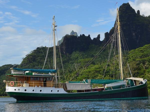 88' Gaff Rigged Motor Sailor Live Abroad Cruiser