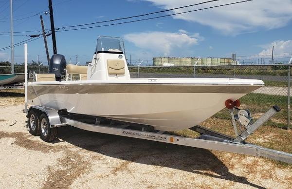 NauticStar 2140 Sport Shallow Bay